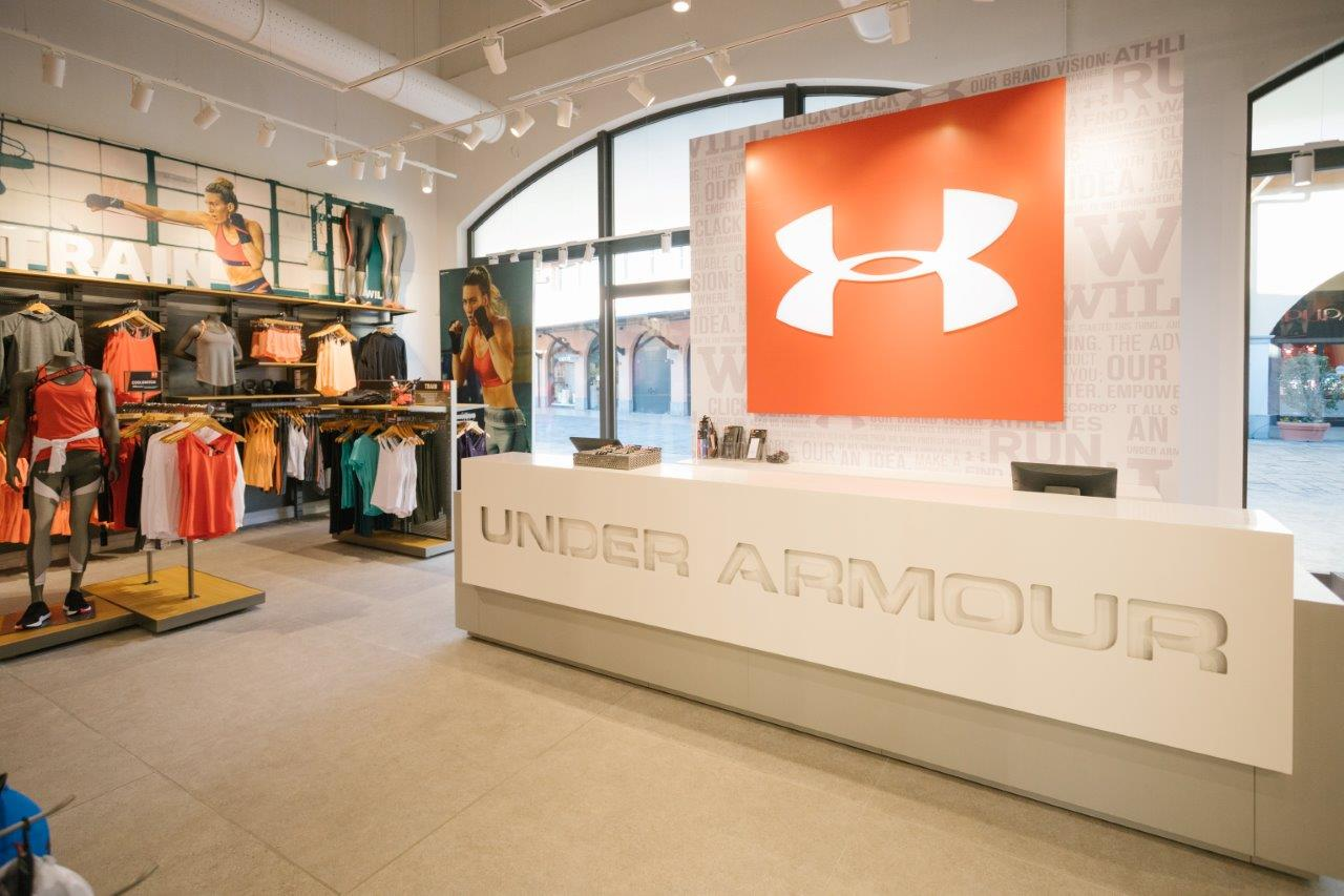 Under Armour @ Outlet Franciacorta 24-10-2017_00015 - BsNews.it ...